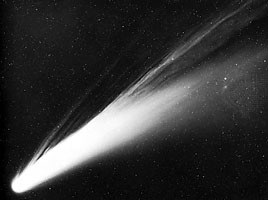Comet C2018 Y1 Iwamoto is Fast Approaching Earth - Heads Up Stargazers Bennett
